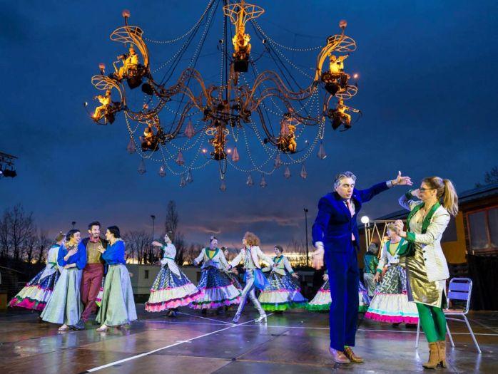 下周末,伦敦格林威治码头区艺术节压轴演出《水晶殿堂》即将登场