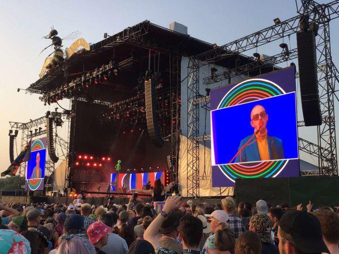 亲历全球最大音乐节!和20万英国人同吃住同看演唱会是什么体验?