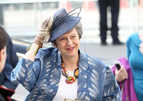 梅姨不当英首相更有范儿?留下了一部职场时尚指南