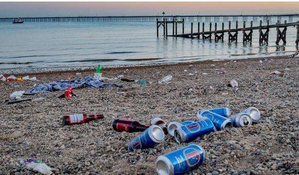 """中国拒做""""全球垃圾桶""""两年后,英国人找到法子了吗?"""