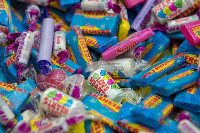 双语:为什么万圣节要吃糖果?
