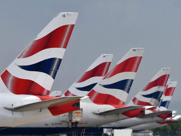 英国航空公司因出现技术问题 导致部分航班延误