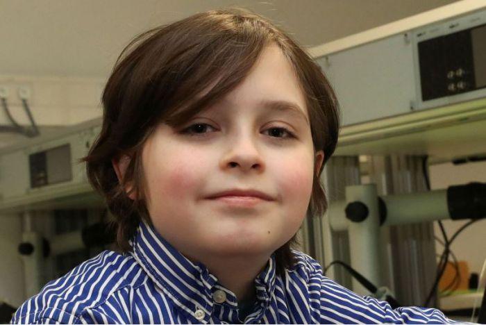 比利时神童9岁即将大学毕业,却被学校突然告知延期半年毕业