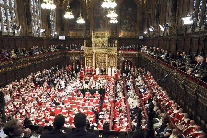 英国首相有意将议会上院搬到约克