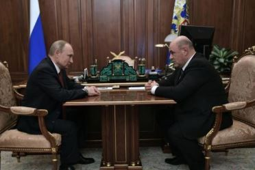 俄新政府内阁成员获批 发展经济为首要任务