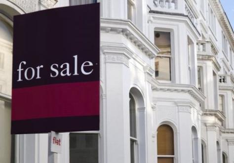 英政府敦促大家不要在疫情期间搬家 房产市场遭冷遇