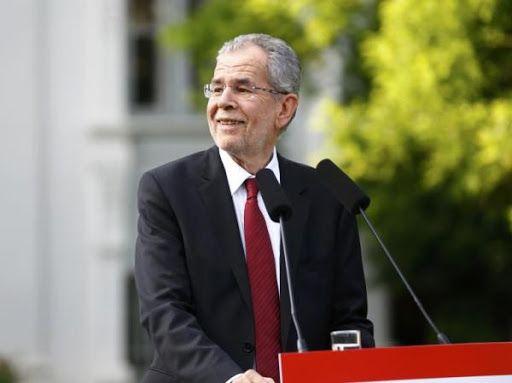 """奥地利总统因外出就餐""""超时""""道歉"""