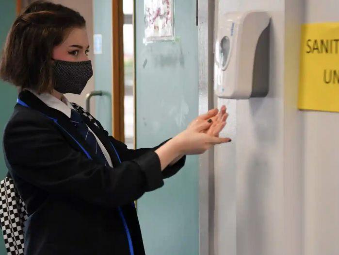 英国学校陆续开学,苏格兰率先要求戴口罩上学!维珍航空增加直飞上海航班