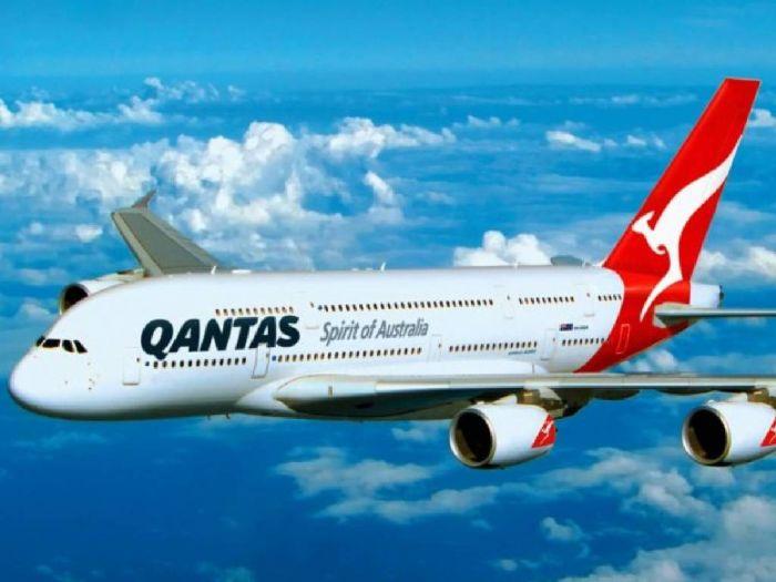 """澳洲航空公司:未来或要求乘客提供""""疫苗接种护照"""""""