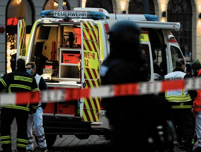 德国特里尔发生汽车冲撞行人事件 已致2死多伤