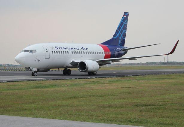 印尼官方:失事飞机很有可能是撞击水面后解体的