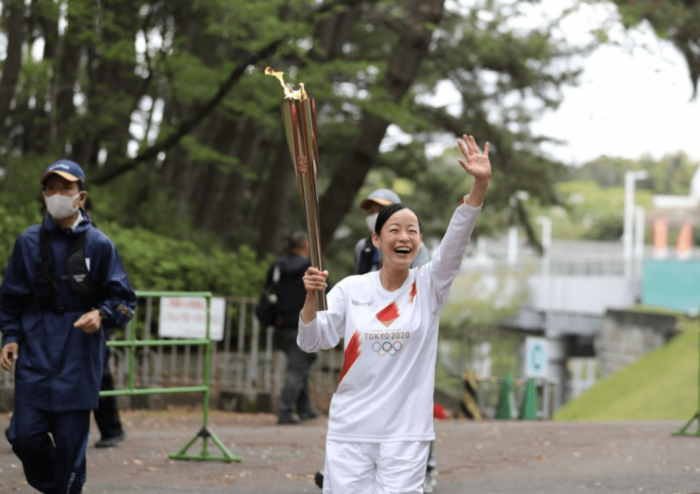 东京奥运火炬结束在冲绳的传递 为避疫情闭门举行