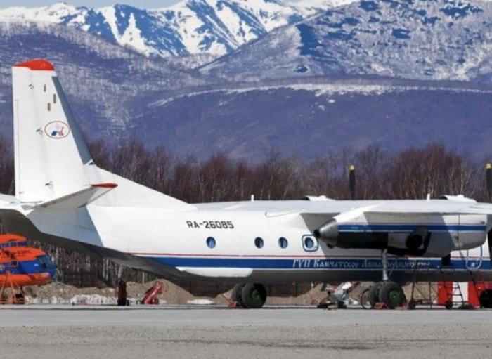 俄罗斯一架载有28人的飞机坠海