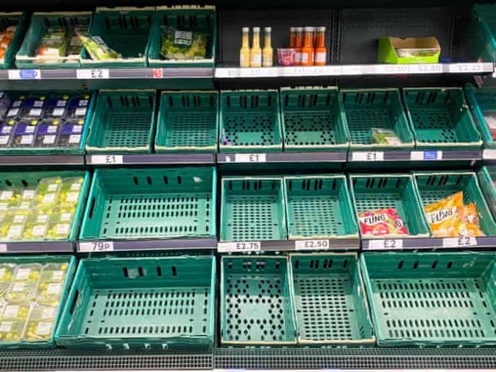 英国超市货架又空了?首相约翰逊:不用慌