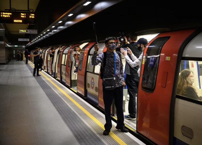 伦敦新开两大地铁站,背后有故事!伦敦地铁藏着多少小秘密?